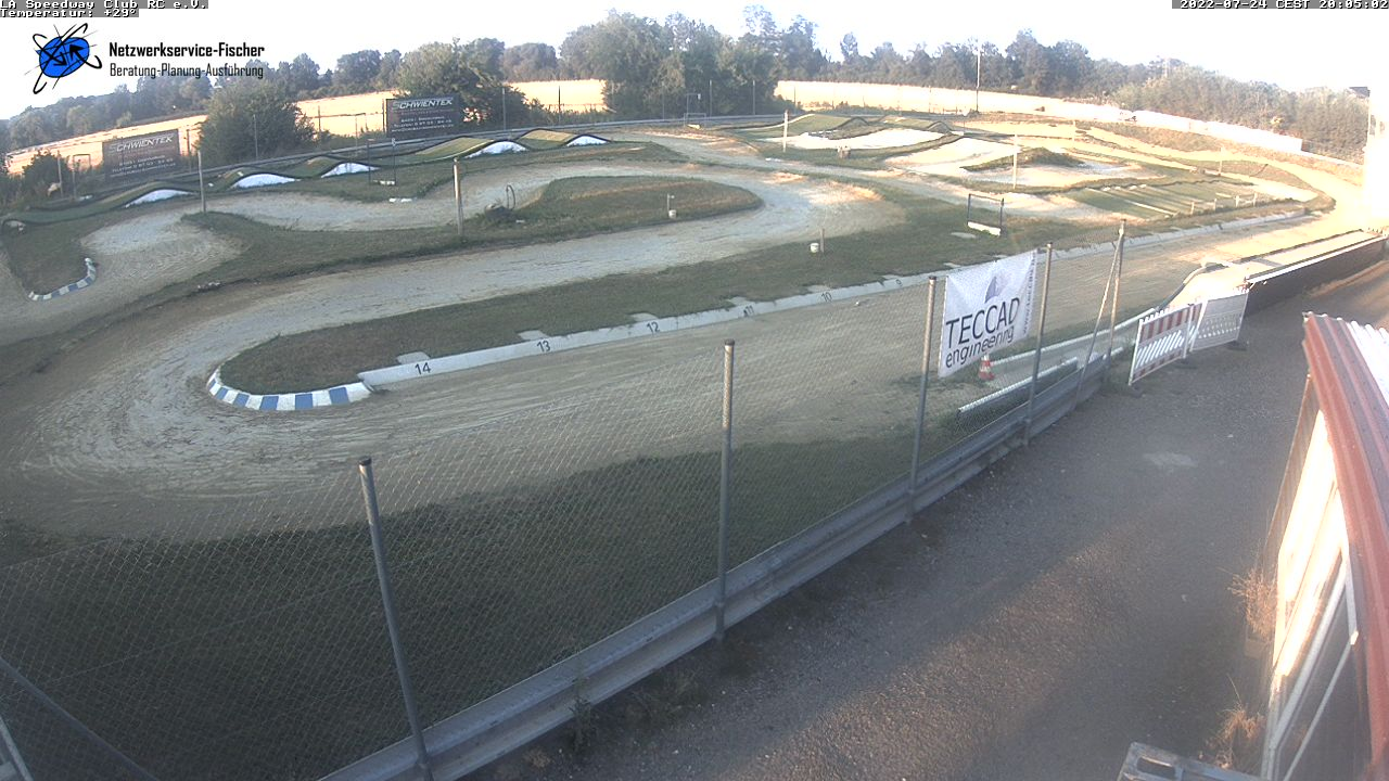 http://speedway.yappa-parts.de/images/webcam1/current.jpg